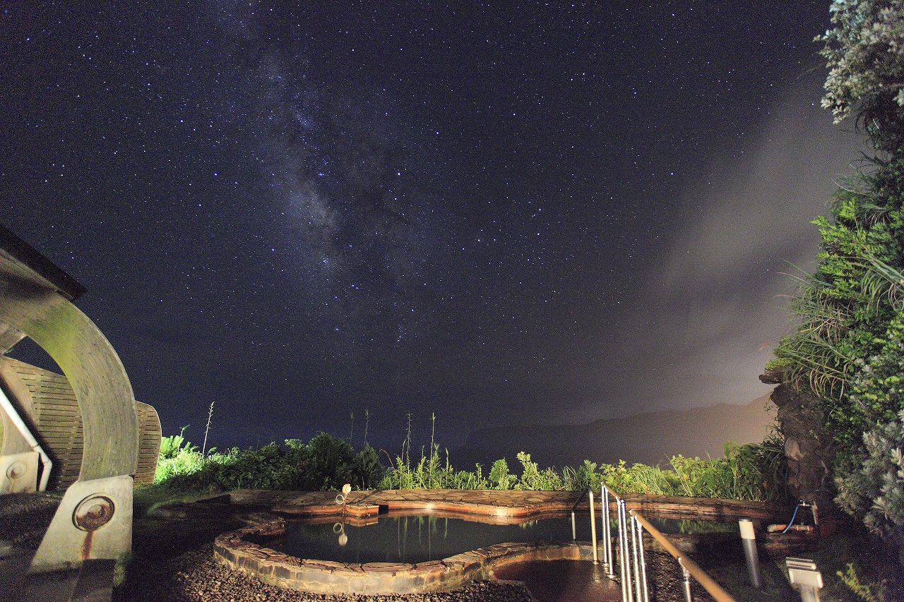八丈島 末吉温泉みはらしの湯 露天から見る星空