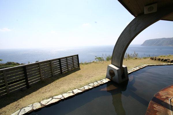 八丈島 末吉温泉みはらしの湯 半露天風呂